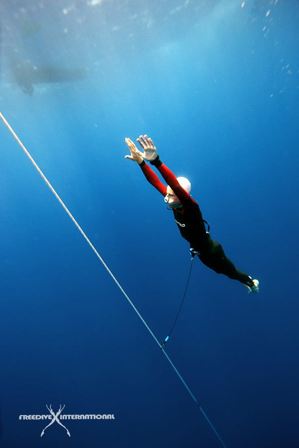 NO-FINS-FREEDIVING
